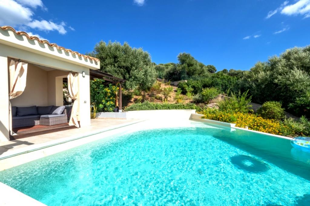 Villa Paradiso - amazing villa for four with pool on ...
